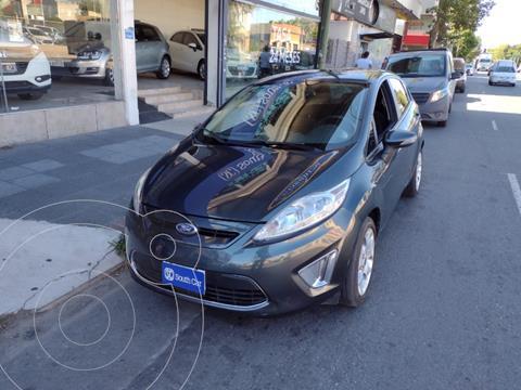 Ford Fiesta Kinetic Titanium usado (2011) color Gris Oscuro precio $945.000