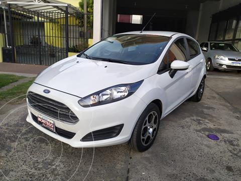 Ford Fiesta Kinetic S usado (2016) color Blanco Oxford precio $1.050.000