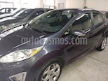 Foto venta Auto usado Ford Fiesta Kinetic Titanium (2012) color Gris Malva precio $315.000