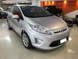 Foto venta Auto usado Ford Fiesta Kinetic Titanium (2013) color Gris Claro precio $395.000
