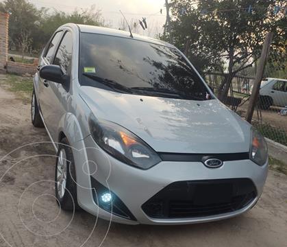 Ford Fiesta Max Ambiente Plus usado (2010) color Gris precio $780.000