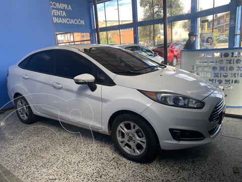 Ford Fiesta Sedan SE Sportback  usado (2014) color Blanco Oxford precio $33.000.000