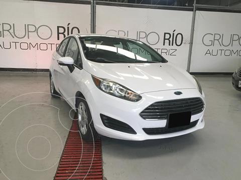 Ford Fiesta Sedan SE usado (2015) color Blanco precio $123,000