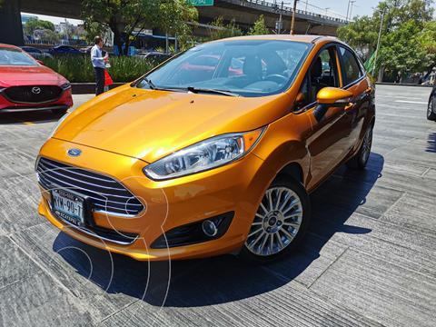 Ford Fiesta Sedan Titanium usado (2016) color Naranja precio $175,000