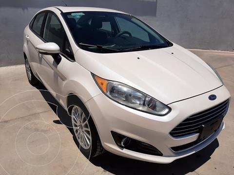 Ford Fiesta Sedan Titanium Aut usado (2016) color Blanco precio $220,320