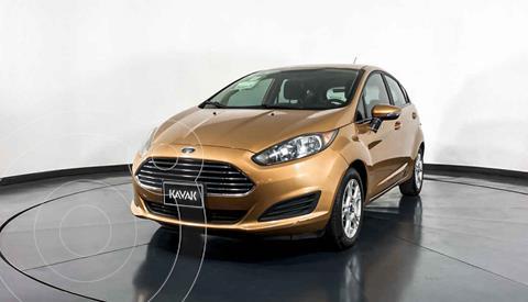 Ford Fiesta Sedan SE Aut usado (2015) color Naranja precio $157,999