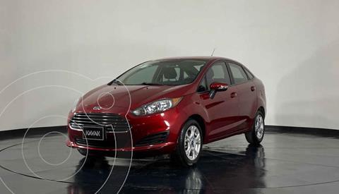 Ford Fiesta Sedan Version usado (2016) color Rojo precio $167,999