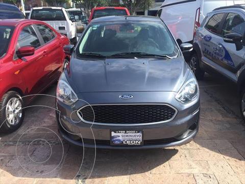 Ford Fiesta Sedan Elija una version usado (2020) color Gris Oscuro precio $209,000