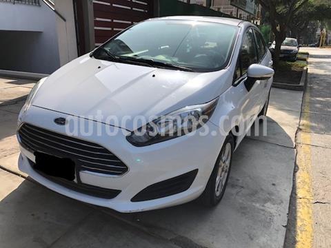 Ford Fiesta Sedan 1.6L SE usado (2015) color Blanco precio $10,900