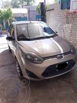 Ford Fiesta  5P Ambiente usado (2011) color Gris precio $750.000