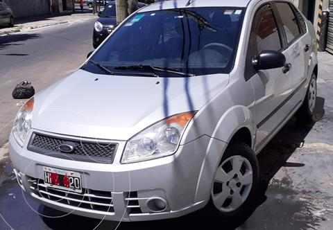 Ford Fiesta  4P Ambiente usado (2008) color Gris precio $495.000