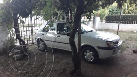 Ford Fiesta  5P CLX 1.6  usado (2000) color Blanco precio $360.000