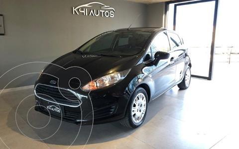 Ford Fiesta  5P LX 1.6  usado (2015) color Gris precio u$s6.090