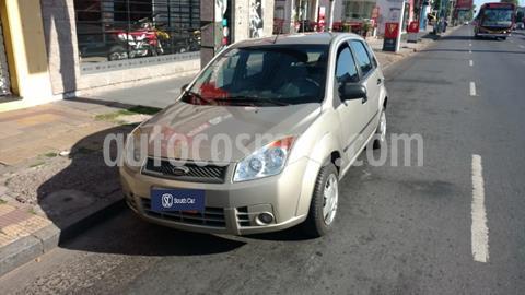 Ford Fiesta  5P Ambiente usado (2008) color Dorado precio $520.000