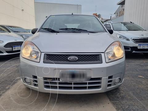 Ford Fiesta  5P Ambiente usado (2007) color Gris Plata  precio $599.900