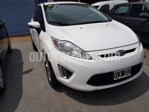 Ford Fiesta  5P Titanium Kinetic Design usado (2011) color Blanco Oxford financiado en cuotas(anticipo $495.000)