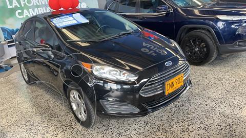 Ford Fiesta SE Aut usado (2015) color Negro financiado en cuotas(anticipo $5.000.000)