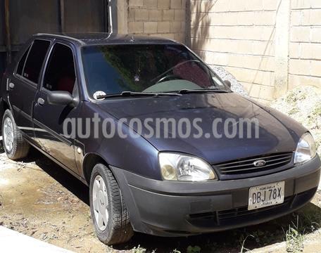 Ford Fiesta 1.6L usado (2002) color Azul precio u$s2.500