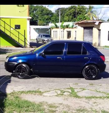 Ford Fiesta Move usado (2001) color Azul precio u$s1.400