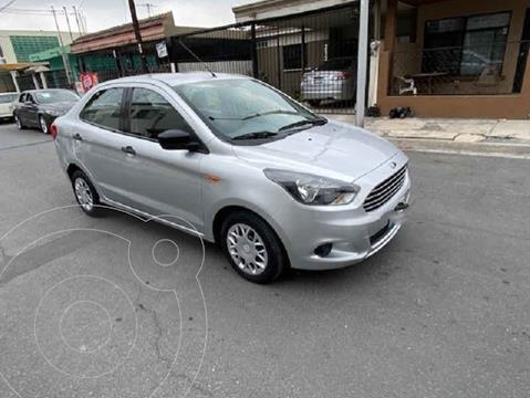 Ford Figo Sedan Impulse Aut A/A usado (2017) color Plata precio $154,000