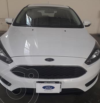 Ford Focus Hatchback SE Aut usado (2015) color Blanco precio $185,000