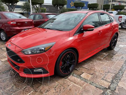 Ford Focus Hatchback ST usado (2016) color Rojo precio $319,000