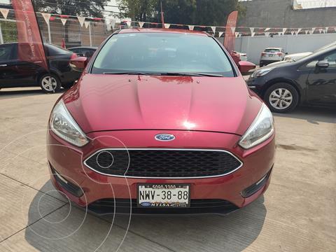Ford Focus Hatchback SE usado (2016) color Rojo Rubi precio $185,000
