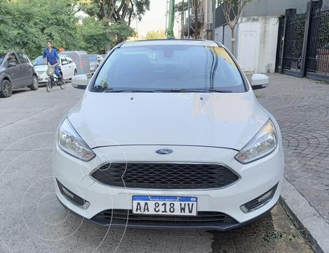 Ford Focus Sedan 2.0L SE Plus Aut usado (2016) color Blanco precio $1.550.000