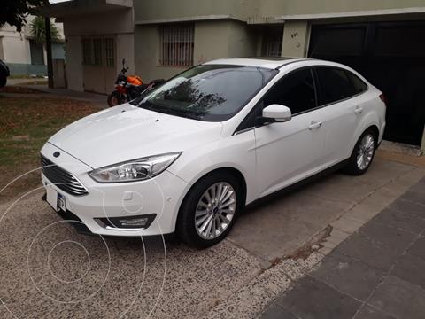 Ford Focus Sedan 2.0L Titanium Aut usado (2017) color Blanco Oxford precio $2.250.000