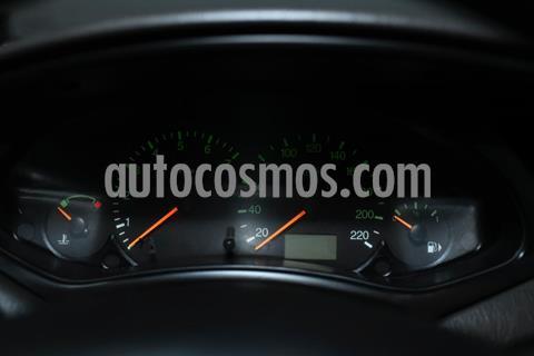 foto Ford Focus 5P 1.6L Ambiente  usado (2004) color Beige precio $470.000