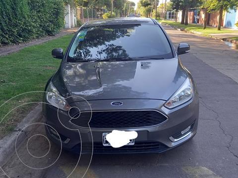foto Ford Focus 5P 2.0L SE usado (2015) color Gris Mercurio precio $1.550.000