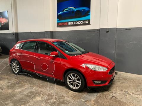 Ford Focus 5P 1.6L S usado (2017) color Rojo Bari precio $1.680.000