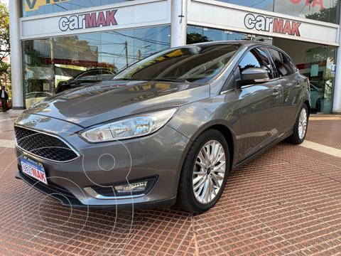 Ford Focus 5P 2.0L SE Plus usado (2015) color Gris financiado en cuotas(anticipo $900.000)