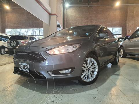 Ford Focus 5P 2.0L SE Plus Aut usado (2015) color Gris Mercurio financiado en cuotas(anticipo $890.000)