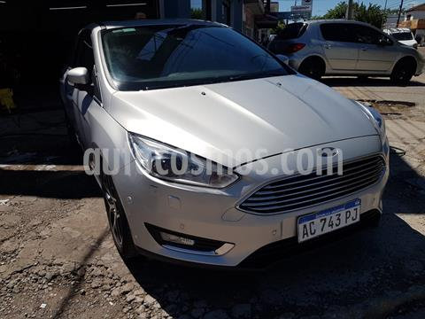 Ford Focus 5P 2.0L Titanium Aut usado (2018) color Blanco Oxford precio $2.200.000