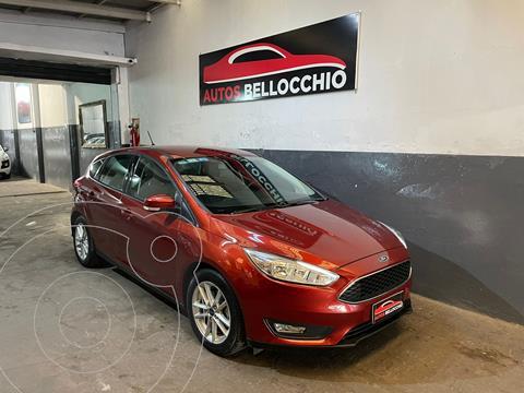 Ford Focus 5P 2.0L SE usado (2019) color Rojo Bari precio $2.700.000