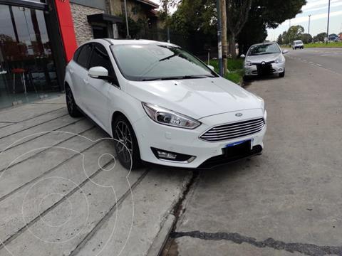 Ford Focus 5P 2.0L Titanium Aut usado (2016) color Blanco Oxford precio $2.300.000