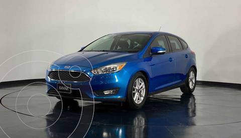 Ford Focus Version usado (2015) color Azul precio $184,999