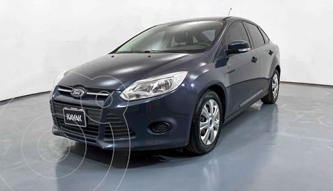 Ford Focus Ambiente usado (2014) color Gris precio $129,999