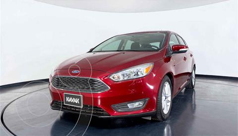 Ford Focus Version usado (2016) color Rojo precio $201,999