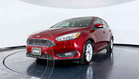 Ford Focus Version usado (2015) color Rojo precio $172,999