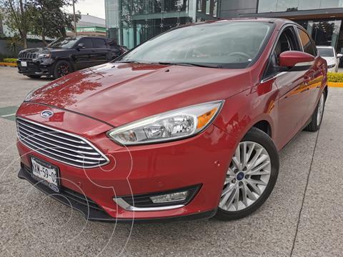 Ford Focus Titanium Aut usado (2015) color Rojo Granate precio $220,000