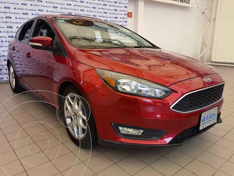 Ford Focus Version usado (2016) color Rojo precio $195,000