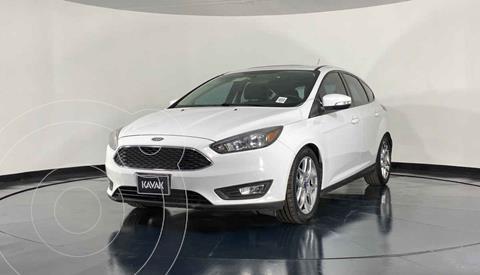 Ford Focus Version usado (2016) color Blanco precio $206,999