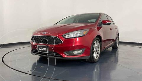 Ford Focus Version usado (2015) color Rojo precio $189,999