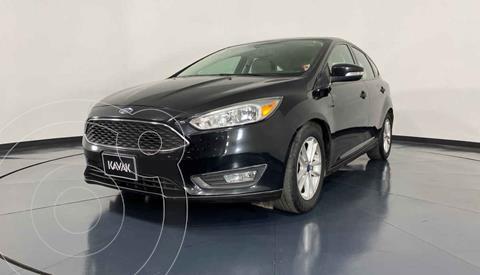 Ford Focus Version usado (2015) color Beige precio $174,999