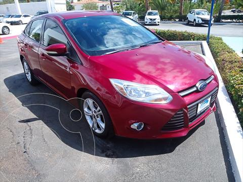Ford Focus TREND 4 PTAS TA usado (2014) color Rojo precio $175,000