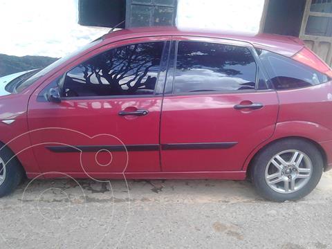 Ford Focus SE usado (2005) color Rojo precio u$s2.000