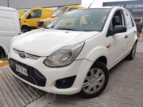 Ford Ikon Ambiente usado (2014) color Blanco Diamante precio $115,000