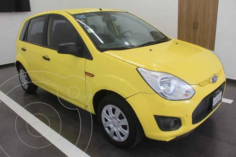 Ford Ikon Ambiente Ac usado (2014) color Amarillo precio $99,000